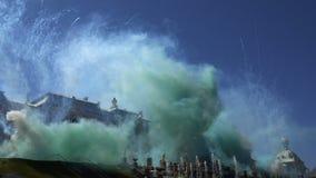 Świąteczny dym od fajerwerków przy fontannami zbiory