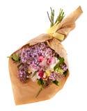 Świąteczny prezenta bukiet z bzem, różami i orchideą, kwitnie odosobnionego na bielu Zdjęcia Royalty Free