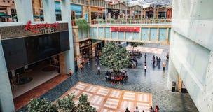 Świąteczny spaceru zakupy centrum handlowe w Sentosa, Singapur zdjęcie stock