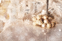 Świąteczny tło z płatkami śniegu Obrazy Royalty Free