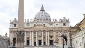 Świątobliwy Peter kwadrat bazylika i obelisk w Watykan, turystyki i architektury pojęciu, Efir Piękny święty zbiory