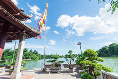 Świątynia chabet góra na Hoan Kiem jeziorze w Hanoi, Wietnam Obrazy Stock
