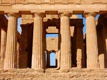 Świątynia Concordia starożytny grek świątynia w dolinie świątynie Agrigento, Sicily - Zdjęcia Stock