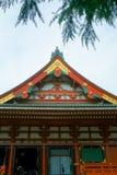 Świątynia dach tradycyjna Japońska architektura Asakusa świątynia jest Sintoizm świątynią lokalizować w Tokio, Japonia obrazy stock