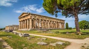 Świątynia Hera przy sławnym Paestum Archeologicznym miejscem, Campania, Włochy Obraz Stock