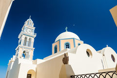 Świątynia i dzwon w miasteczku Fira Zdjęcie Stock