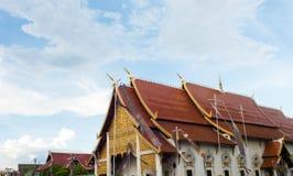 Świątynia i niebieskie niebo Obrazy Stock