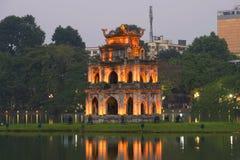 Świątynia na jeziorze w zmierzchu Wietnam Zdjęcie Royalty Free