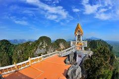 Świątynia na wierzchołku góra fotografia stock