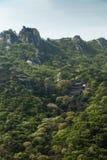 Świątynia na zboczu przy Bukhansan parkiem narodowym w Seul obraz stock