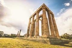 Świątynia Olimpijski Zeus przy Ateny fotografia stock