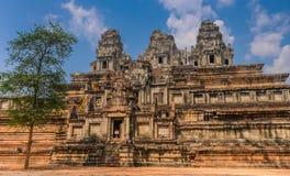 Świątynia pod niebieskim niebem Zdjęcie Royalty Free