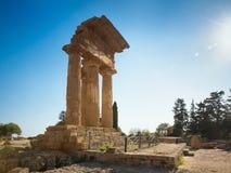 Świątynia Rycynowa Dioscuri i Pollux Unesco Światowego Dziedzictwa Miejsce Dolina Świątynie Agrigento, Sicily, ItalyAgrigento, Si Obrazy Stock