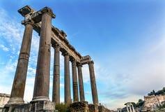 Świątynia Saturn Korynckich kolumn Romański forum Rzym Włochy Zdjęcia Royalty Free