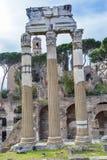 Świątynia Vespasian Korynckich kolumn Romański forum Rzym Włochy Zdjęcia Stock