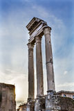 Świątynia Vespasian Korynckich kolumn Romański forum Rzym Włochy Obrazy Stock