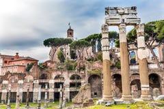 Świątynia Vespasian Korynckich kolumn Romański forum Rzym Włochy Obraz Royalty Free