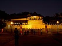 Świątynia ząb w Kandy, Sri Lanka przy nocą Fotografia Stock