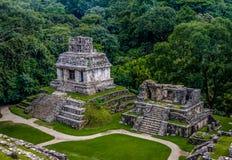 Świątynie Krzyżują grupy przy majskimi ruinami Palenque, Chiapas -, Meksyk Fotografia Stock
