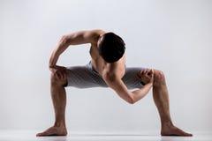 Świątynna skręta joga poza Zdjęcia Stock