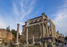 Świątynny Antonius Faustina Romański forum Rzym Włochy Zdjęcia Royalty Free