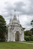 Świątynny biały łukowaty wejście Zdjęcia Royalty Free