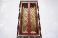 Świątynny drzwi w Wacie Pichaya-yatogaram obraz stock