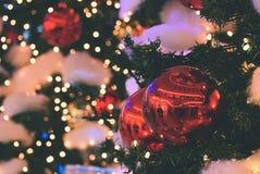 święta bożego pojęcia dekoracji kolorowe wakacje ornamentuje tradycyjnego sezonowego Zima wakacje i tradycyjni ornamenty Oświetle Obraz Stock