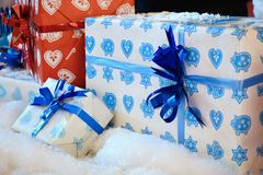 święta bożego pojęcia dekoracji kolorowe wakacje ornamentuje tradycyjnego sezonowego Zima wakacje i tradycyjni ornamenty Oświetle Zdjęcia Stock