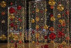 święta bożego pojęcia dekoracji kolorowe wakacje ornamentuje tradycyjnego sezonowego Zima wakacje i tradycyjni ornamenty Oświetle Zdjęcie Royalty Free