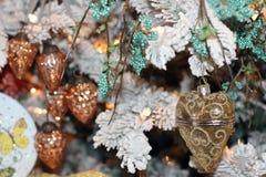 Święta tła balowych ostrego ornamentów białe drzewo Zdjęcia Stock