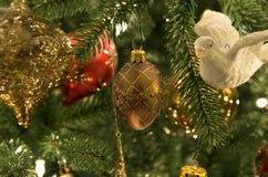 Święta tła balowych ostrego ornamentów białe drzewo Obraz Stock