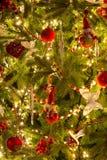 Święta tła balowych ostrego ornamentów białe drzewo Fotografia Stock