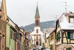 Świętego Matrin kościół w Kintzheim, wioska w Bas-Rhin, Alsace -, Francja obraz royalty free