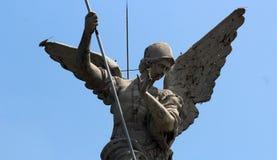 Świętego Michael archanioła rzeźba w zakończeniu up Zdjęcia Stock