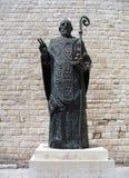 Świętego Nicholas statua, Bari, Włochy Statua blisko sławnego chrześcijanina Zdjęcie Stock