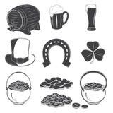 Świętego Patrick dnia elementy ustawiający Szczegółowi elementy Typograficzne etykietki, majchery, logowie i odznaki, Fotografia Royalty Free