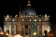 Świętego Peter bazylika w Bożenarodzeniowym czasie Zdjęcie Royalty Free