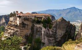 Świętej trójcy monaster w Meteor kołysa, znaczyć zawieszam w powietrze w Trikala, Grecja Obraz Royalty Free