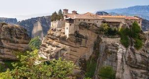 Świętej trójcy monaster w Meteor kołysa, znaczyć zawieszam w powietrze w Trikala, Grecja Obraz Stock