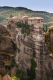 Świętej trójcy monaster w Meteor kołysa, znaczyć zawieszam w powietrze w Trikala, Grecja Zdjęcia Stock