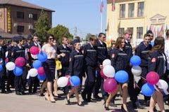 Świętować pierwszy Maj dzień wiosna i praca Maja dnia parada na teatru kwadracie w mieście Slavyansk obrazy stock