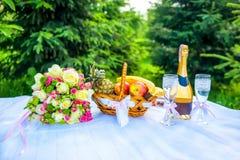 Świętowania jedzenie na stole Zdjęcie Stock