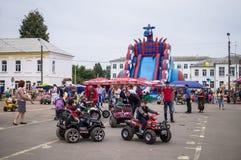 Świętowanie dzień miód w Rosyjskim mieście Medyn, Kaluga region na Sierpień 14, 2016 Obraz Stock