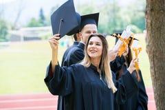 Świętowanie edukaci skalowania Studencki sukces Uczy się Concep zdjęcia royalty free