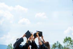 Świętowanie edukaci skalowania Studencki sukces Uczy się Concep zdjęcie stock