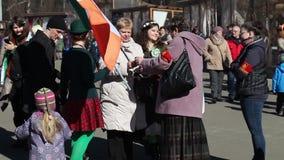 Świętowanie irlandczyka St Patrick ` s dzień w Moskwa, Rosja zbiory wideo