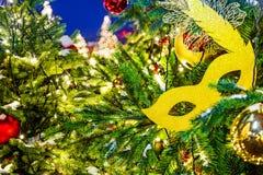 Świętowanie nowego roku i bożych narodzeń tło Szczegóły choinka Szczegółu strzał choinka rozgałęzia się z Christm Fotografia Royalty Free