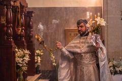 Świętowanie Ortodoksalna wielkanoc w parafii Sainted Nowi spowiednicy Rosja i męczennicy Obraz Stock