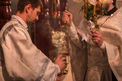 Świętowanie Ortodoksalna wielkanoc w parafii Sainted Nowi spowiednicy Rosja i męczennicy Fotografia Stock